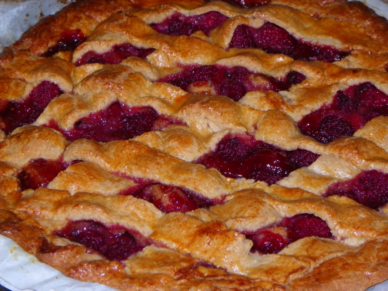 Raspberry and almond pie