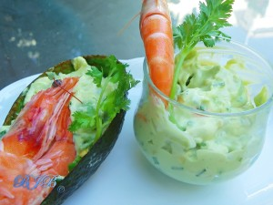Avocado and prawns salad