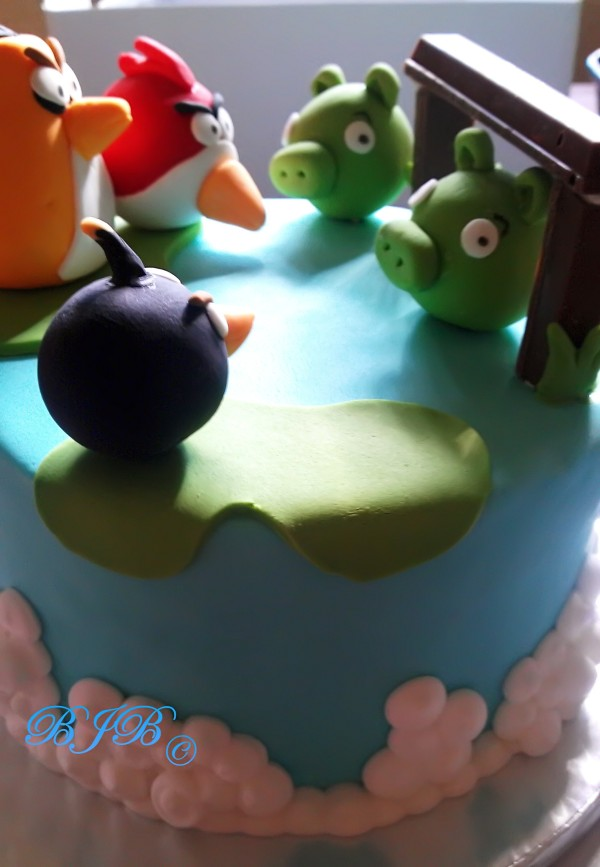 Angry birds cake for David