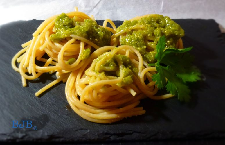 VEGAN PESTO